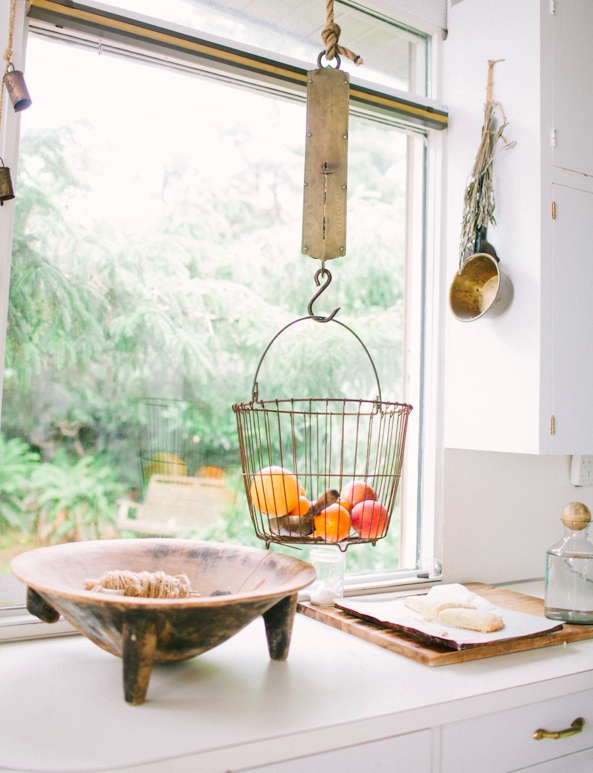 A Rustic Kitchen by the Beach (3/4)