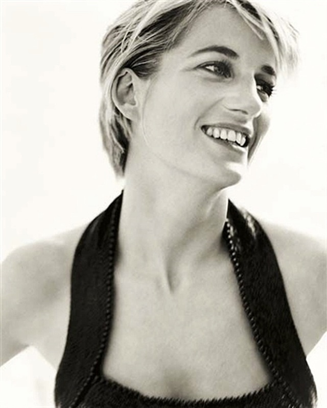 mario-testino-auction-highlights-diana-princess-of-wales-vanity-fair3