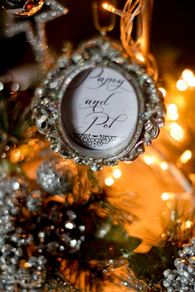 Family Christmas Tree12