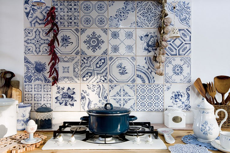 portuguese ceramic backsplash