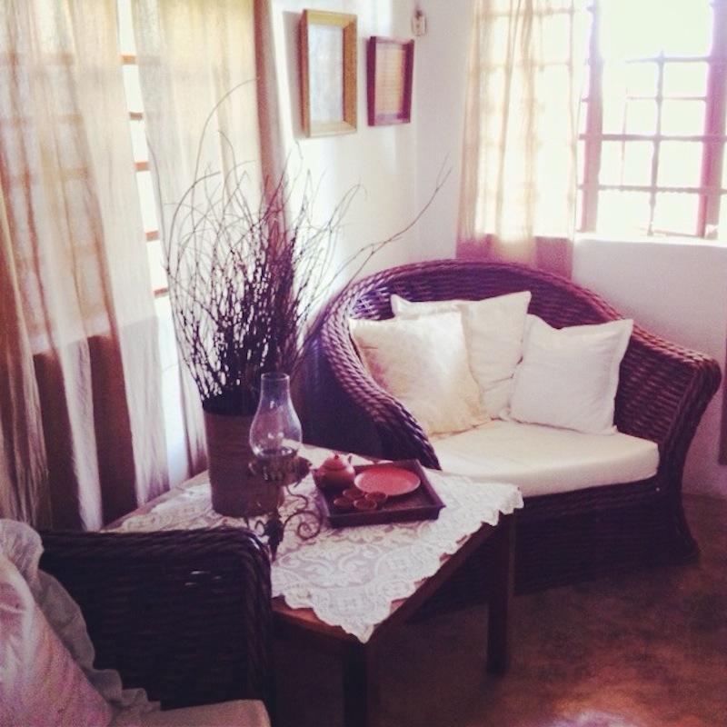 Aslum living room